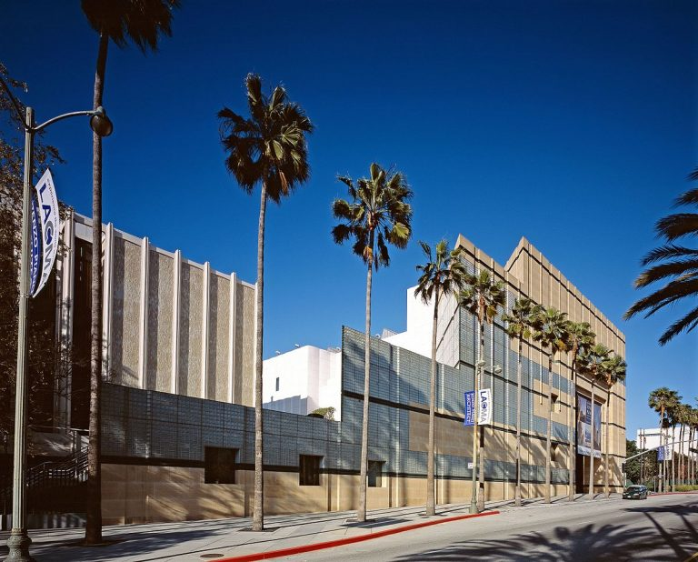 street view of exterion of Los Angeles County Museum of Art