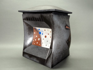 (English) View of house-shaped stoneware sculpture named House, Bending and Giving In (2006) by Hayashi Yasuo, born 1928.